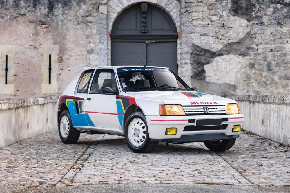 Θρυλικό Peugeot 205 T16 πάει για ρεκόρ τιμής