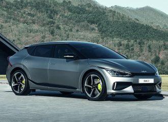 Το νέο Kia EV6 «δικάζει» την Porsche Taycan!