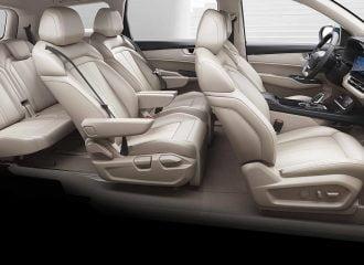 Πολυτελές 6θέσιο αυτοκίνητο σε τιμές Yaris