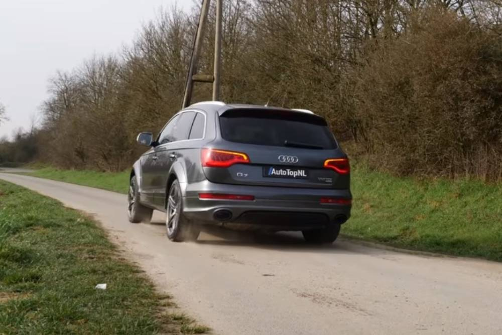 Audi Q7 V12 TDI μας αλλάζει τα πετρέλαια (+video)