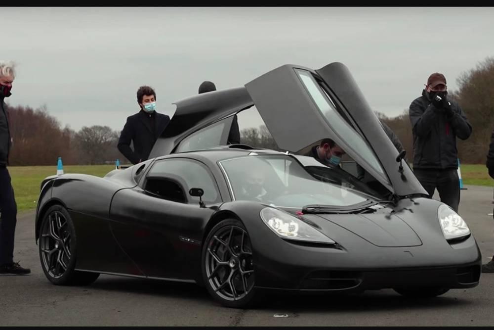 Ο διάδοχος της McLaren F1 στην πίστα (+video)