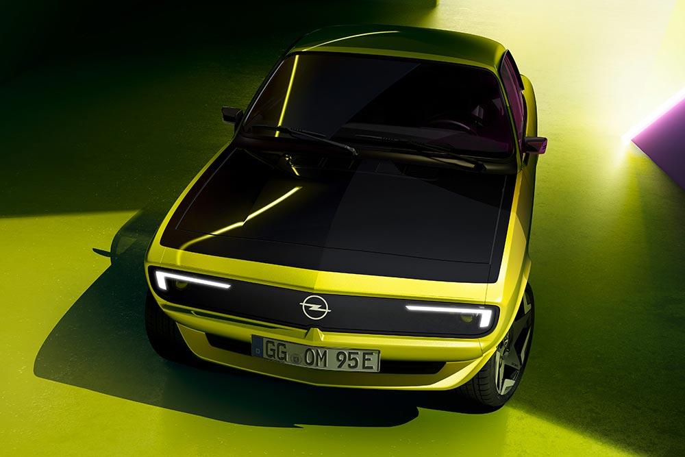 Νέο ρετρο-μοντέρνο Opel Manta GSe ElektroMOD