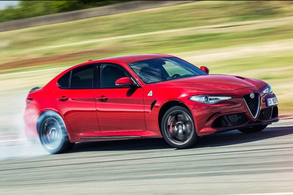 Η Alfa Romeo αφήνει την πίσω κίνηση για τα ηλεκτρικά