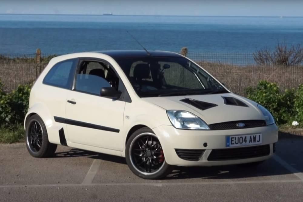 Μοναδικό κεντρομήχανο και πισωκίνητο Ford Fiesta V6