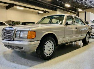 Αρχόντισσα Mercedes S-Class του '85 με 4.600 χλμ.