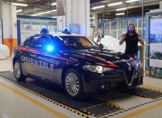 Η Alfa Romeo Giulia που δεν «μασάει» από σφαίρες (+video)