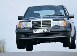 Η ξεχωριστή «made by Porsche» Mercedes 500E