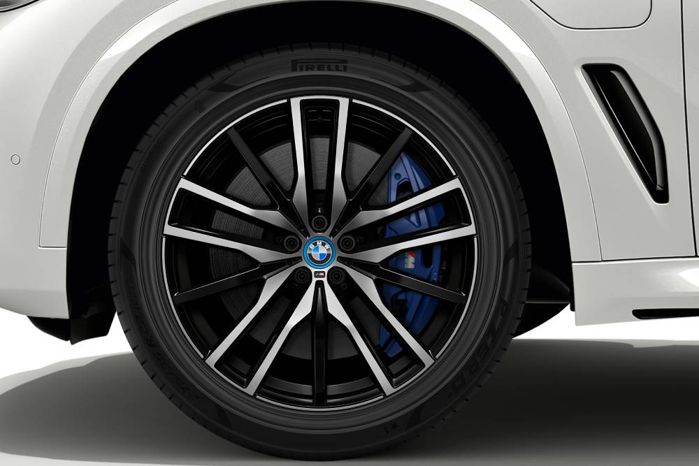 Τα πρώτα βιώσιμα ελαστικά κάνουν πρεμιέρα με BMW
