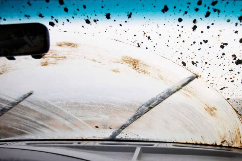 Το 96% των οδηγών ρισκάρει λόγω υαλοκαθαριστήρων
