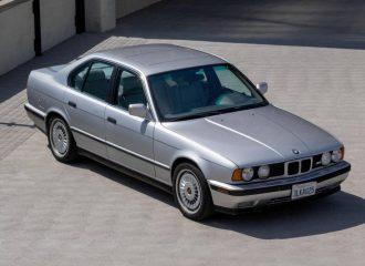 BMW M5 E34 με 400.000 χλμ. «μυρίζει» βιτρίνα
