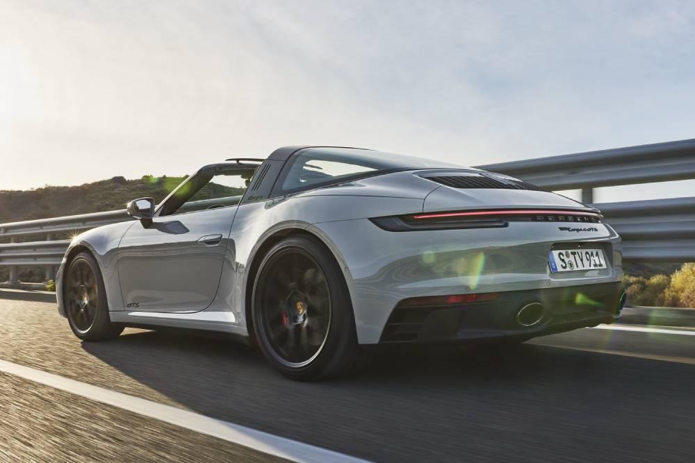 Νέες Porsche 911 GTS για όλα τα γούστα