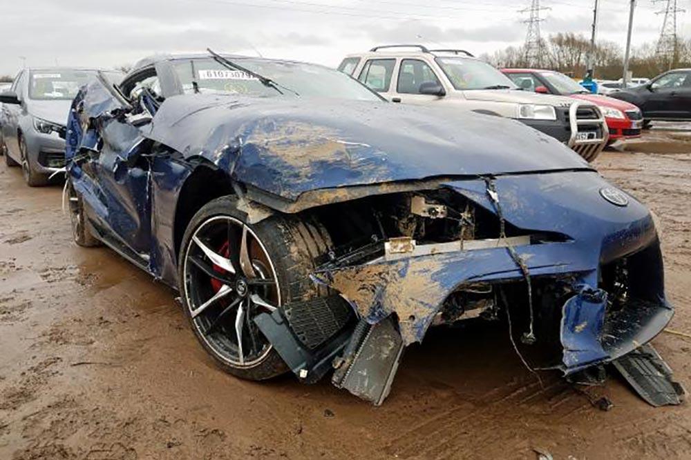 Τρακαρισμένη Toyota Supra έβγαλε λαβράκι