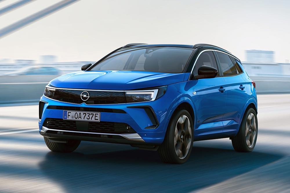 «Μασκοφόρος» το νέο ψηφιακό Opel Grandland