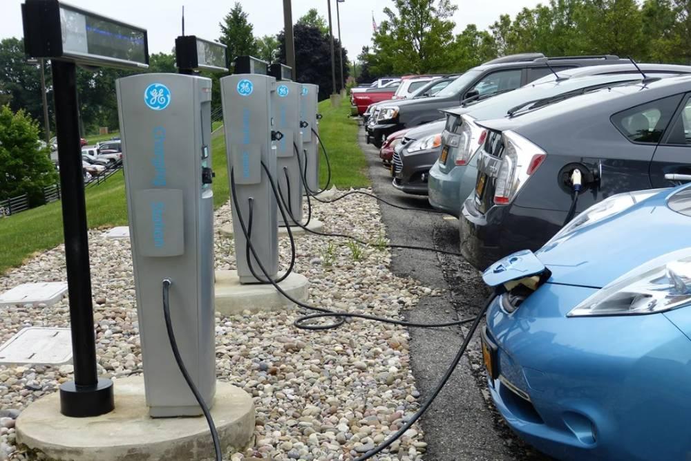 Μέχρι το 2030 το 40% της αγοράς θα είναι ηλεκτρικά