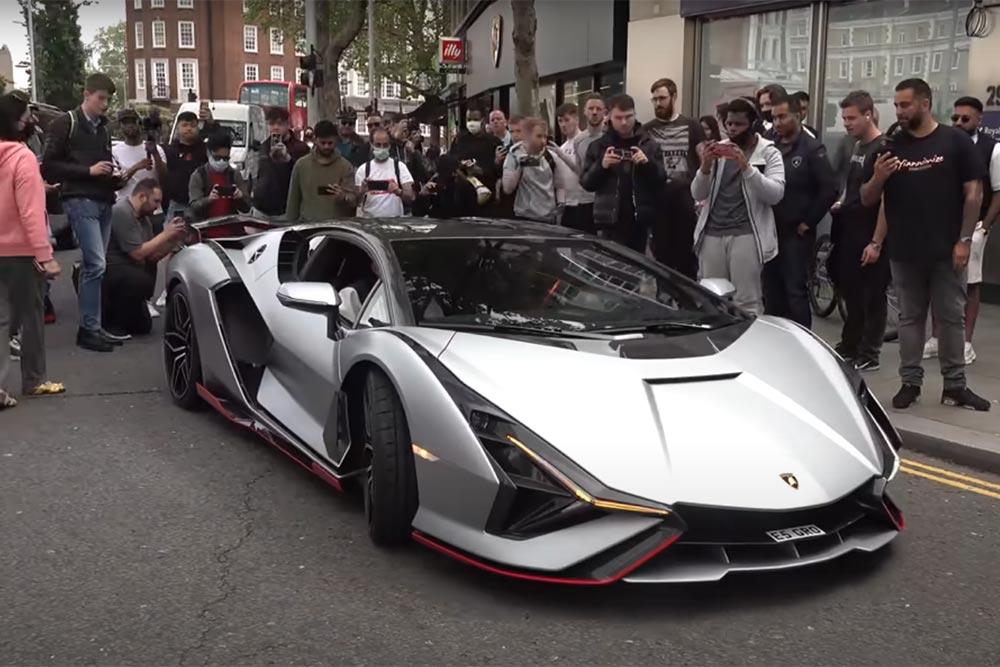 Lamborghini Sian σκορπάει πανικό στο Λονδίνο!(+video)