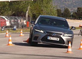 «Μπάταρε» το Lexus LS 500h στον τάρανδο (+video)