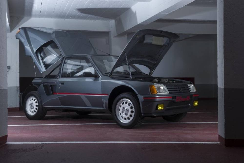 Επίδειξη Peugeot 205 T16 μόνο με τραπεζικό έλεγχο!