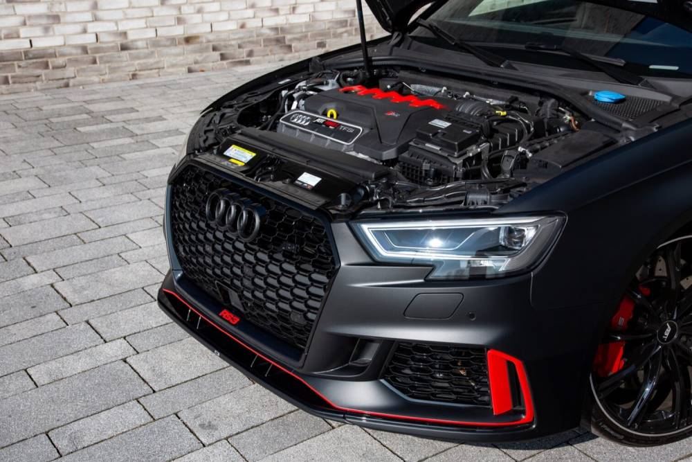 Audi RS 3 «in the mix» με στοιχεία από R8