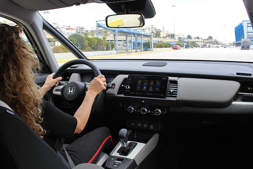 Σας τρέμει το τιμόνι; Τι μπορεί να φταίει;