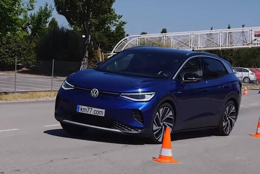 «Πρίζωσε» τον τάρανδο το VW ID.4 (+video)