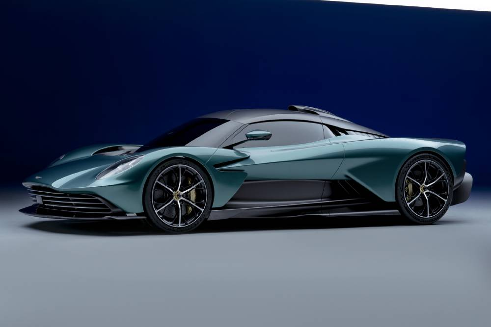 Θεϊκή Aston Martin Valhalla με 950 ίππους