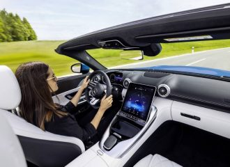 Ανοιχτή πρόκληση η νέα Mercedes-AMG SL