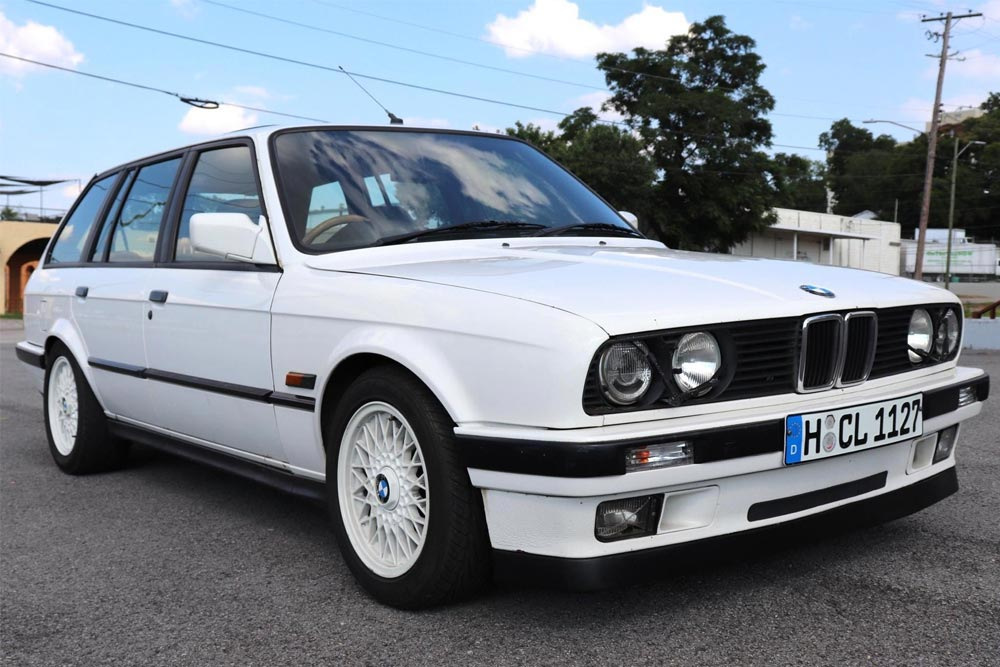BMW E30 Touring με μοτέρ Μ3 πουλήθηκε 17.600 ευρώ!