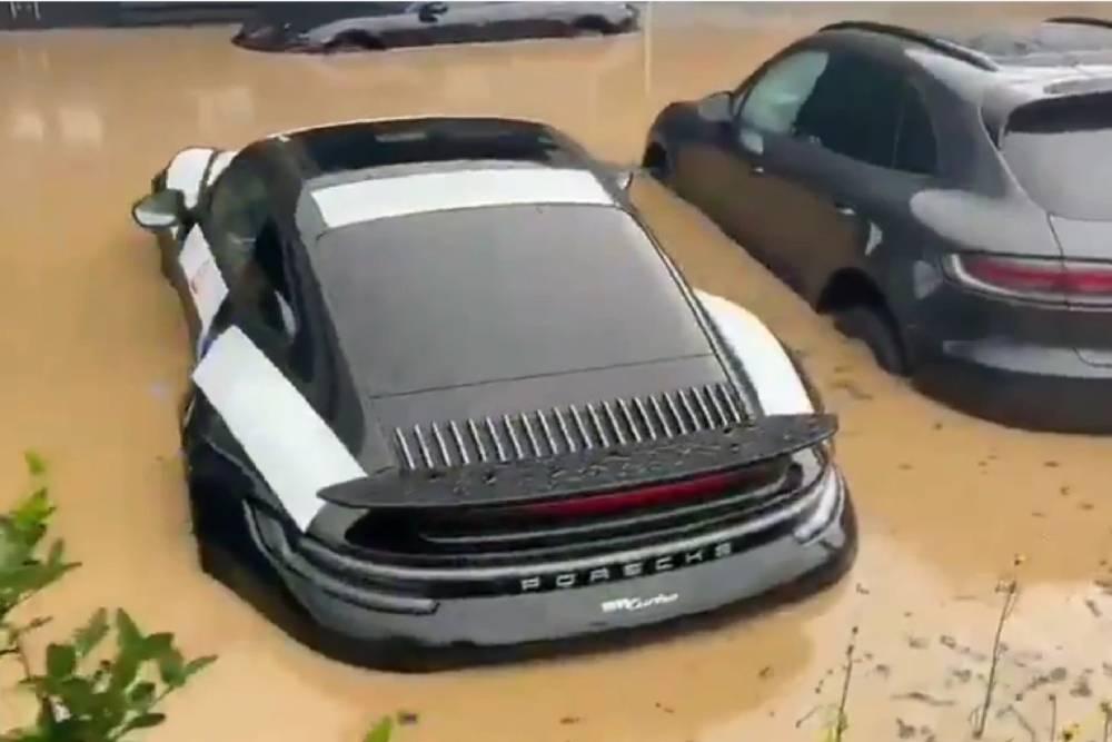 Ολοκαίνουργιες Porsche βυθίστηκαν στη Γερμανία
