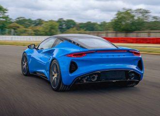 Νέα Lotus Emira με μοτέρ Mercedes-AMG και Toyota V6