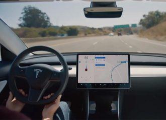 Elon Musk: «Τελικά έκανα λάθος για το Autopilot»!