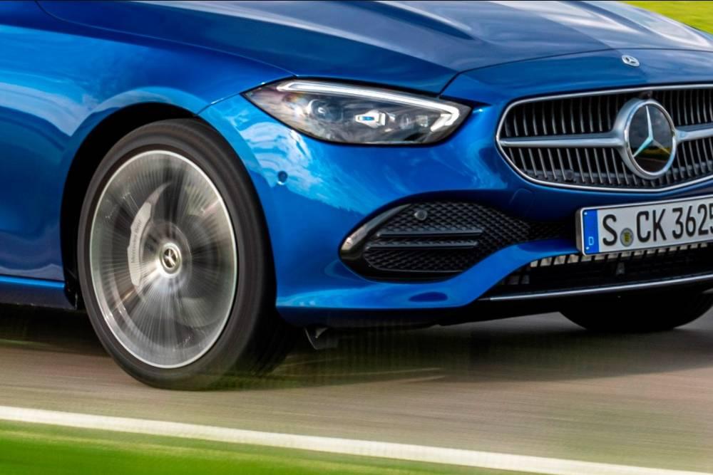Η τεχνολογία της Mercedes για την αποφυγή λακκούβων