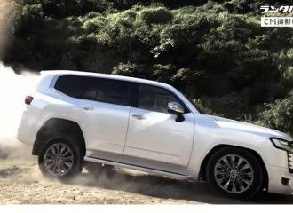 Το νέο Land Cruiser «καταπίνει» βράχια (+videos)