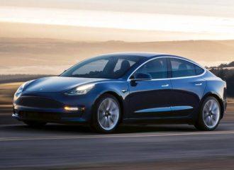 Tesla: «Περίπου ίδια συντήρηση με Toyota το Model 3»