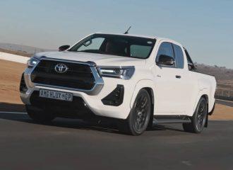 Βροντόφωνο Toyota Hilux με 6.2 V8 μοτέρ AMG (+video)