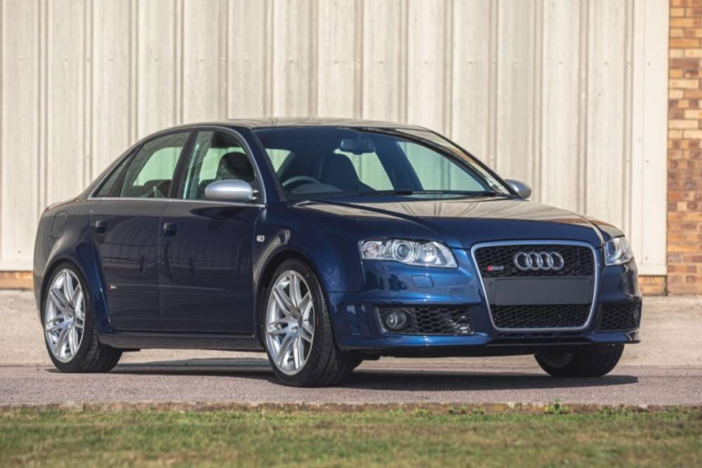 Άθικτο Audi RS 4 B7 με 349 χλμ. φτιάχνει ατμόσφαιρα