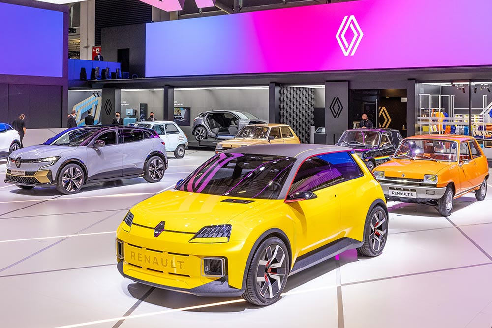 Στην παραγωγή μπαίνει το ηλεκτρικό Renault 5