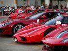 Φαντασμαγορικό θέαμα στον Πειραιά με τις 30 Ferrari