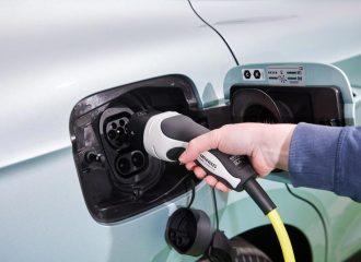 Πως «πέφτει» η μπαταρία στα ηλεκτρικά αυτοκίνητα;