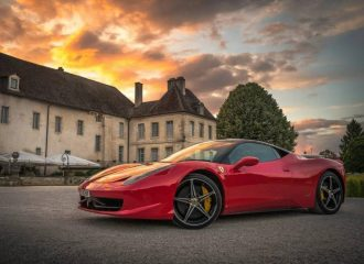 Σχεδιαστές της Apple στη Ferrari για το πρώτο της EV