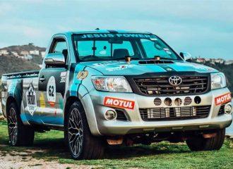 «Άκακο» Toyota Hilux με twinturbo V12 540 ίππων!